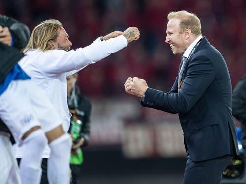 FCZ-Trainer Ludovic Magnin (rechts) will auch in Leverkusen nach Spielende jubeln können (Bild: KEYSTONE/ENNIO LEANZA)