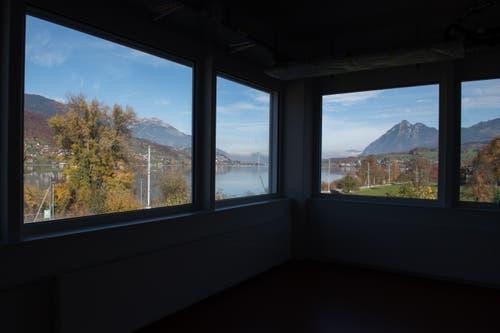 «Die Fenster werden zu Gemälden», sagt Maxon-CEO über die neuen Arbeitsplätze. (Bild: Boris Bürgisser, Sachseln, 9. November 2018)