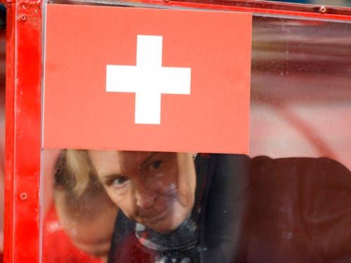 Symbolisch Martina Voss-Tecklenburg und das Schweizer Fähnchen (Bild: KEYSTONE/SALVATORE DI NOLFI)