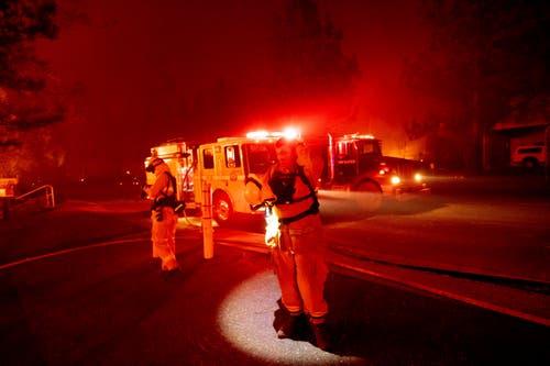 Die Behörden meldeten bereits mehrere Tote. (AP Photo/Noah Berger)