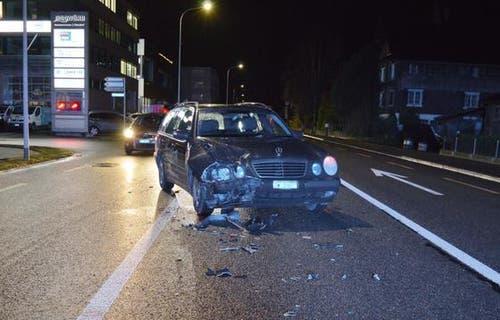 10. Dezember - Oberdorf NWBei einem Verkehrsunfall entstand am Montagabend in Oberdorf grosser Sachschaden. Verletzt wurde niemand.