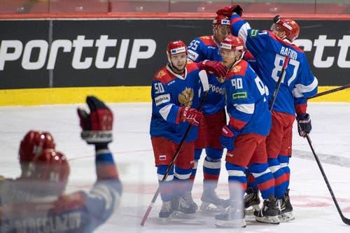 Die russischen Spieler im Spiel gegen die Slowakei am Donnerstagabend in Luzern. (Bild: KEYSTONE/Urs Flueeler (Luzern, 13. Dezember 2018))