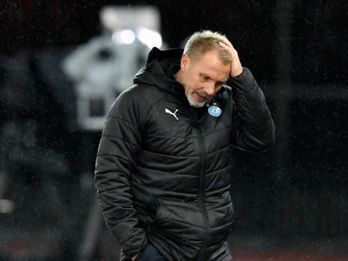 GC-Trainer Thorsten Fink macht sich Sorgen: Nach dem 0:1 in Thun bleibt sein Team Tabellen-Vorletzter (Bild: KEYSTONE/WALTER BIERI)
