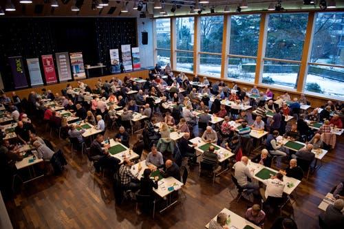 Insgesamt 171 Jasserinnen und Jasser spielten bei der 12. Zentralschweizer Jassmeisterschaft im Kulturzentrum Braui. (Bild: Corinne Glanzmann (Hochdorf, 16. Dezember 2018))