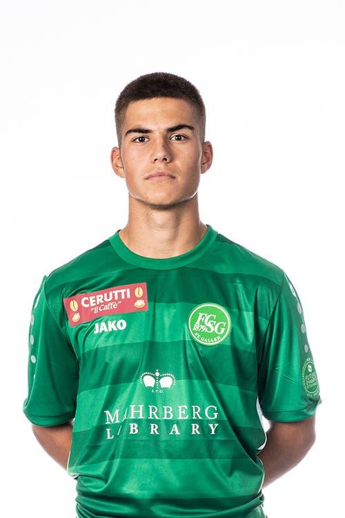 Angelo Campos. Note 3.5. Der 18-Jährige kommt beim Stand von 0:2 zum Pflichtspieldébut für St.Gallen. Ein schwieriger Start.