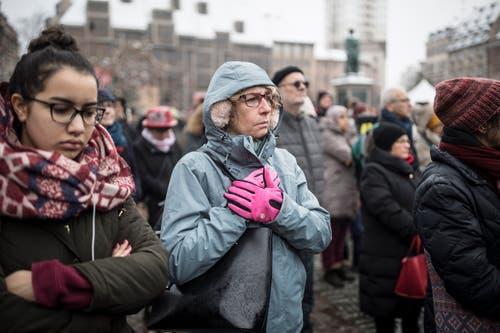 Innehalten für die Opfer des Anschlags. (Bild: AP Photo/Jean-Francois Badias, Strassburg, 16. Dezember 2018))