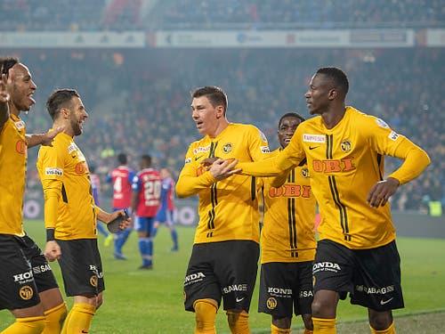 Die Young Boys sind in dieser Saison nicht zu stoppen und führen die Tabelle nach dem Sieg in Basel mit 18 Punkten Vorsprung an (Bild: KEYSTONE/GEORGIOS KEFALAS)
