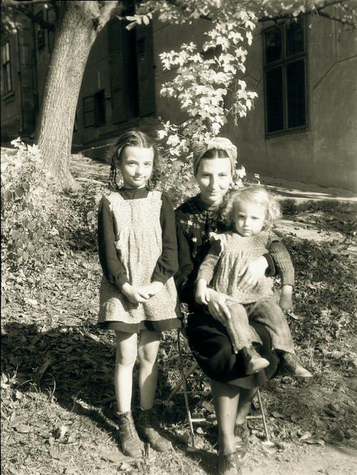 Helio Hickls Mutter mit ihren beiden Kindern. (Bild: pd)