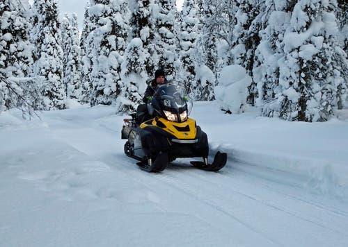 Für Lappländer ist das Schneemobil praktisch der Zweitwagen für den Winter.