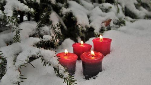 4. Advent: Die vierte Kerze brennt für die Liebe, für das Wichtigste auf dieser Welt. (Bild: Irene Wanner (16. Dezember 2018))