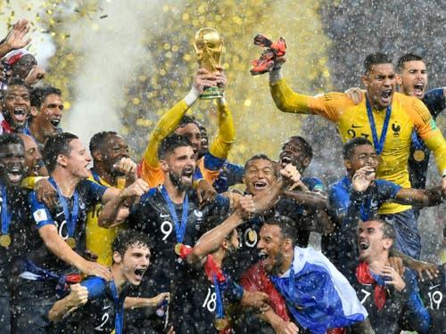 Im Regen des Luschniki-Stadions in Moskau krönte sich Frankreich dank einem 4:2 im Final gegen Kroatien zum zweiten Mal nach 1998 zum Fussball-Weltmeister (Bild: KEYSTONE/AP/MARTIN MEISSNER)