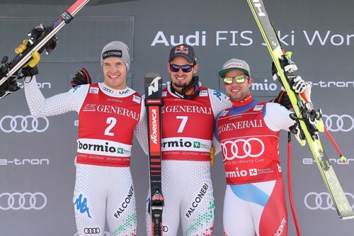 Siegerpodest bei der Abfahrt in Bormio: Dominik Paris (Mitte) gewinnt vor Christof Innerhofer (links) und Beat Feuz. Bild: Andrea Solero / EPA