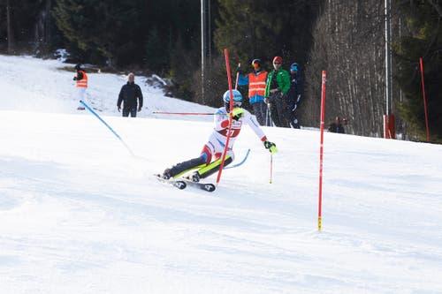 Reto Schmidiger kämpft sich durch die Slalomstangen. (Bild: Jakob Ineichen (Sörenberg, 29. Dezember 2018))