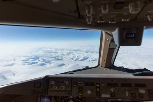 Ausblick aus dem Cockpit über Grönland.