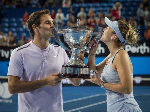 Roger Federer und Belinda Bencic treten nach ihrem Triumph vor einem Jahr in Perth als Titelverteidiger an (Bild: KEYSTONE/EPA AAP/TONY MCDONOUGH)