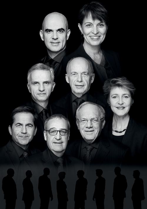 2017, Bild 1 (von oben rechts nach unten links): Bundespräsidentin Doris Leuthard, Alain Berset, Ueli Maurer, Didier Burkhalter, Simonetta Sommaruga, Johann Schneider-Ammann, Guy Parmelin, Bundeskanzler Walter Thurnherr.