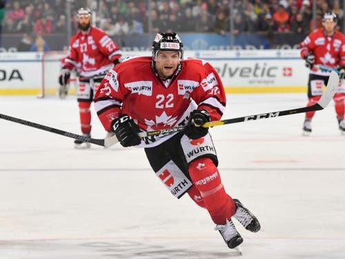 Zach Boychuk erzielte das Game-Winning-Goal im Final vor einem Jahr gegen die Schweizer Nationalmannschaft. Im Penaltyschiessen hätte Boychuk das Turnier für Kanada wieder gewinnen können. Stattdessen musste er sich mit der Center-Position im All-Star-Team begnügen (Bild: KEYSTONE/SPENGLER CUP/GIAN EHRENZELLER)
