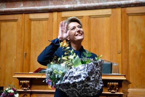 Karin Keller-Sutter freut sich über ihre Wahl zum 119. Mitglied des Bundesrates. (Bild: KEYSTONE/Anthony Anex)