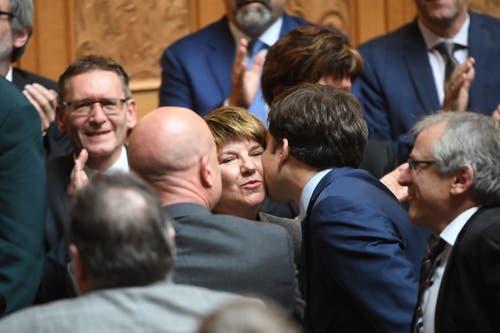 Viola Amherd freut sich über ihre Wahl zum 118. Mitglied des Bundesrates. (Bild: KEYSTONE/Marcel Bieri)