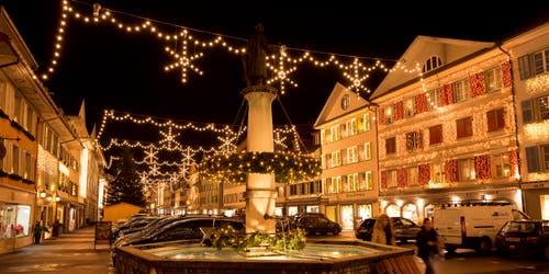 Lichterglanz im Städtli Willisau (Bild: Priska Ziswiler-Heller (Willisau, 4. Dezember 2018))