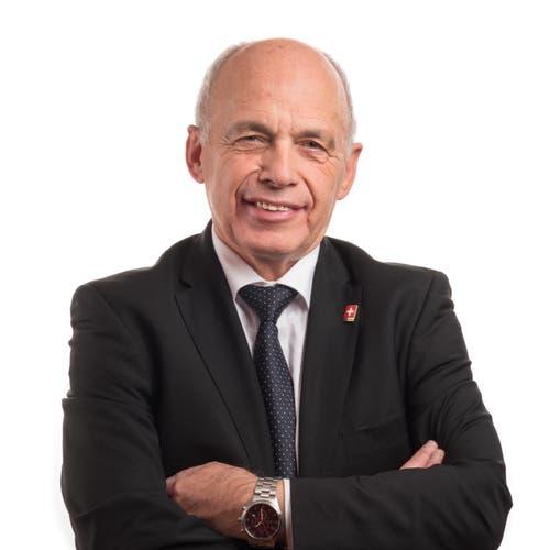 Ueli Maurer, SVPDer Finanzminister lehnt das Rahmenabkommen ab — wie seine Partei fürchtet er den Souveränitätsverlust. Er hält den Preis für zu hoch. Dennoch hielt er in einem Interview fest: «Das Rahmenabkommen wäre wichtig, weil wir dann grössere Sicherheit hätten im Verhältnis zur EU. Das ständige Auf und Ab verunsichert. Ein Abkommen, das in der Schweiz mehrheitsfähig ist, würde für eine gewisse Stabilität sorgen in einer Phase der Unsicherheit.