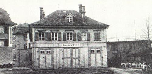 Davor waren die Gefangenen im Feuerwehrdepot (Sprötzehüsli) untergebracht. Zeitgenossen beschrieben die Bedingungen im frühen 20. Jahrhundert als unhaltbar. (Bild: Oberberger Blätter 1977, S. 14)