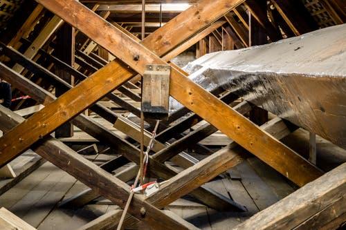 Auch über im Dachgebälke musste die Kirche saniert werden. (Bild: Philipp Schmidli, 7. Dezember 2018)