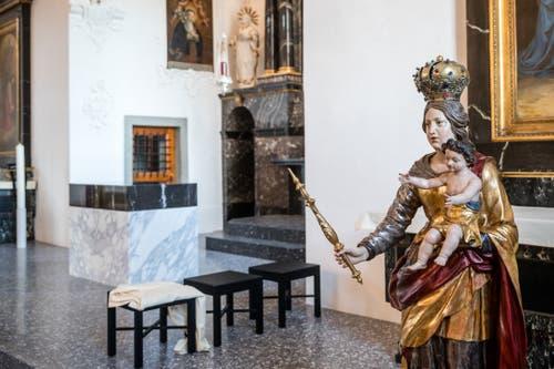 Auch der Altar wurde neu gestaltet. (Bild: Philipp Schmidli, 7. Dezember 2018)