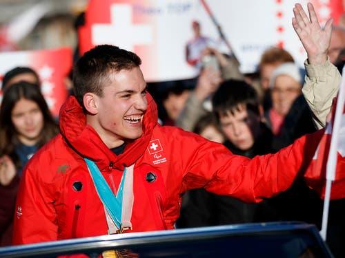 Der Alpine Théo Gmür gewann an den Paralympics gleich dreimal Gold (Bild: KEYSTONE/VALENTIN FLAURAUD)