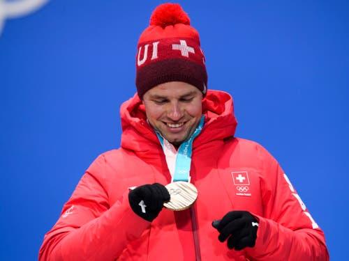 Beat Feuz kehrte mit einer silbernen und einer bronzenen Olympiamedaille aus Südkorea zurück (Bild: KEYSTONE/GIAN EHRENZELLER)