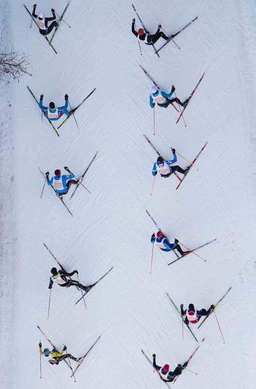 Tausende Läufer bestreiten den Engadin-Skimarathon (8. März). (Bild: Keystone / Gian Ehrenzeller)