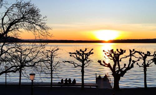 Abendstimmung am Zugersee, der Frühling ist nicht mehr weit...... (Bild: Anita Imfeld-Leu)