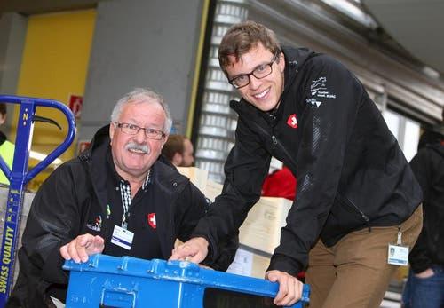 Rothenburger unter sich: Konstrukteur Michael Ottiger mit seinem Experten Heinz Gisi. (Bild: pd)