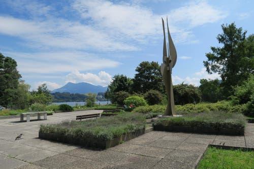 ... ansonsten geht die Route weiter dem See entlang bis zu dieser Skulptur: «NIKE 89 by Pavel Krbàlek (Lucerne)». (Bild: Stefanie Nopper / Luzernerzeitung.ch)