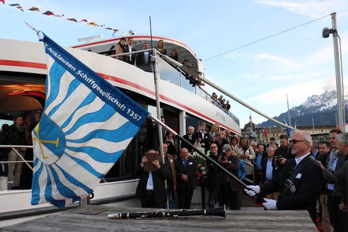 Die neue Flagge der St. Niklausen Genossenschaft (SNG). (Bild: Stefanie Nopper / Luzernerzeitung.ch)