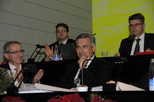 Guido Graf wird zum Regierungspräsidenten 2013 gewählt. Robert Küng (links) war davor zum Vizepräsidenten des Regierungsrates 2013 gewählt worden. (Bild: PD)