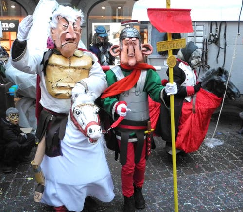 Helenas Hofreitschule der Gruppe HELENA STUBENREIN. Im Einsatz waren Märchen-, Comic- und Westernhelden. Ein Supergaudi für Gross und Klein! (Bild: Niklaus Rohrer)