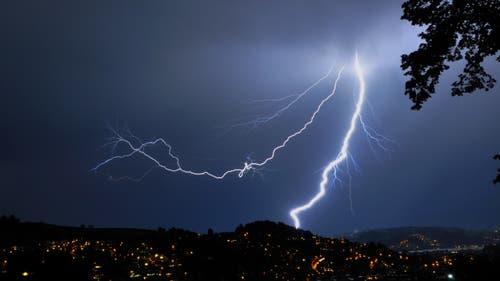 Blitz über Luzern (Bild: Leser Ruedi Wechsler)