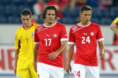 Der Frust ist den FCL-Spielern Adrian Winter (links) und Alain Wiss nach der Niederlage anzusehen. (Bild: Philipp Schmidli / Neue LZ)