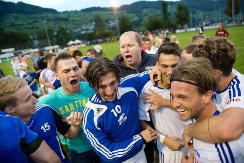 20. September: Dem SC Buochs aus der 2. Liga interregional gelingt eine riesengrosse Überraschung im Schweizer Cup. Sie bezwingen YB mit 1:0 und machen eine der grössten Cupsensationen in der Schweizer Cupgeschichte perfekt. (Bild: Eveline Beerkicher / Neue LZ)
