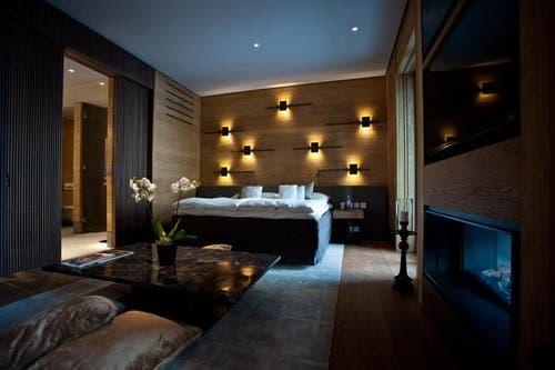 Ein Standardzimmer (Bild) kostet 550 Franken pro Nacht inklusive Frühstück, eine Deluxe-Suite 950 Franken. Letztere können auch gekauft werden. Der Preis liegt bei rund 1,7 Millionen Franken. (Bild: Pius Amrein / Neue LZ)