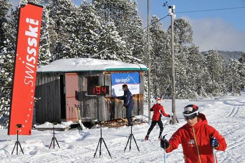 Langlauf-Sprint mit Zeitmessung. (Bild: Robert Hess / Neue OZ)