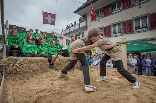 Der Nachwuchs des Entlebucher Schwingerverbands. (Bild: Pius Amrein / Neue LZ)