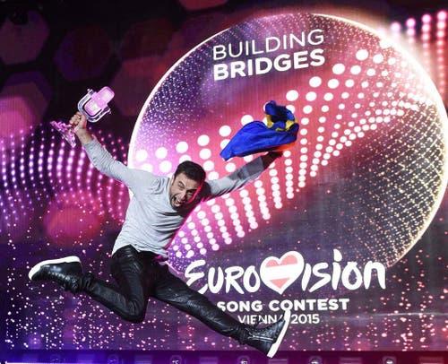 Schweden (im Bild Sänger Mans Zelmerloew) gewinnt den 60. Eurovision Song Contest in Wien. (Bild: EPA / Helmut Föhringer)