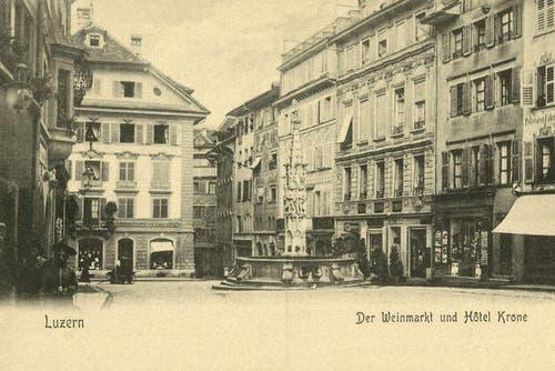 Weinmarkt und Hotel Krone in der Altstadt, 1902 (Bild: PD)