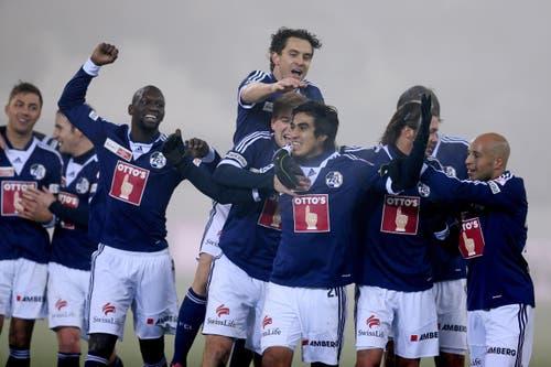Luzerns Dario Lezcano bejubelt sein 2:0, im Cup gegen Lausanne (4. Dezember 2013). (Bild: Philipp Schmidli)