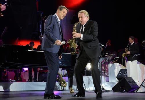 Udo Jürgens und Pepe Lienhard beim gemeinsamen Auftritt Anfang Dezember in Zürich. (Bild: Keystone / Steffen Schmidt)
