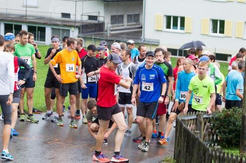 Berglauf Hasle - Heiligkreuz- First. Kurz vor dem Start in Hasle. (Bild: Beat Blättler)