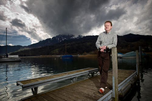 März 2010: Rolf Fringer posiert für den Fotografen der Neuen Luzerner Zeitung. (Bild: Philipp Schmidli/Neue LZ)
