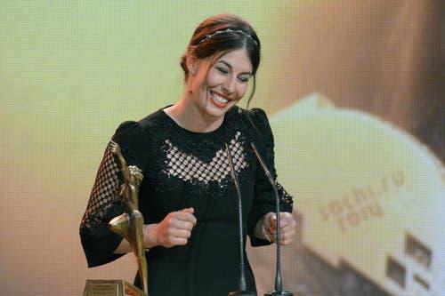 Die Skirennfahrerin Dominique Gisin freut sich als Sportlerin des Jahres. (Bild: Keystone)